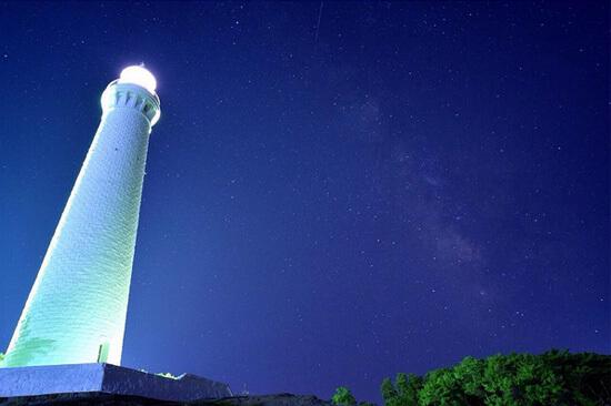 満点の星空に光る!日御碕灯台