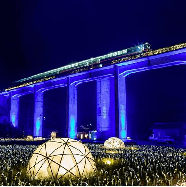まるで現代の銀河鉄道!三江線「宇都井駅」